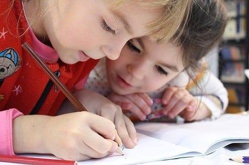 Niños dibujando - Una forma de terapia